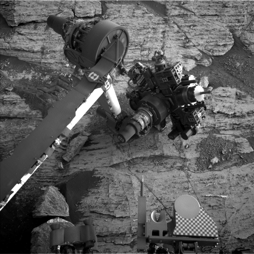 Nasa's Mars rover Curiosity acquired this image using its Left Navigation Camera on Sol 2801, at drive 0, site number 81