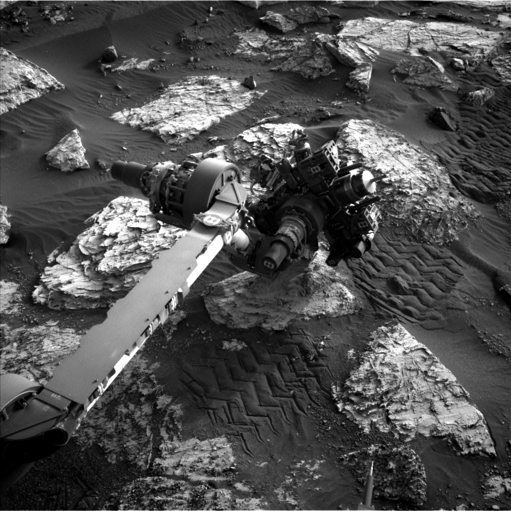Nasa's Mars rover Curiosity acquired this image using its Left Navigation Camera on Sol 2803, at drive 424, site number 81
