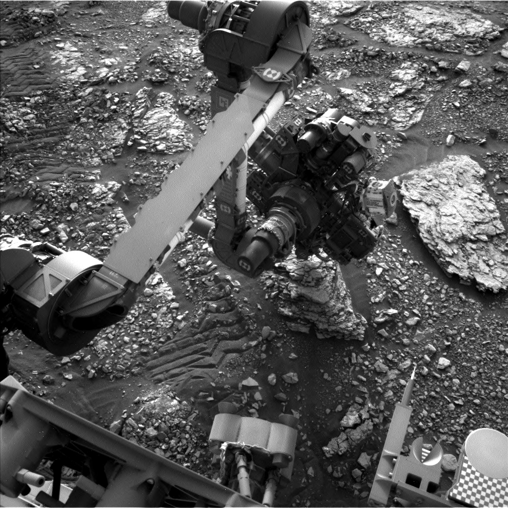 Nasa's Mars rover Curiosity acquired this image using its Left Navigation Camera on Sol 2826, at drive 1978, site number 82