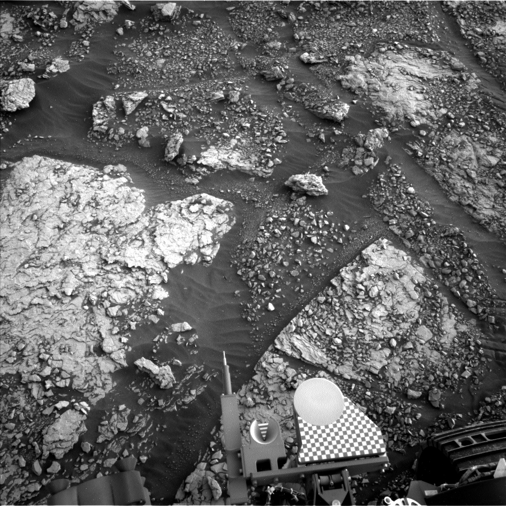 Nasa's Mars rover Curiosity acquired this image using its Left Navigation Camera on Sol 2833, at drive 2176, site number 82