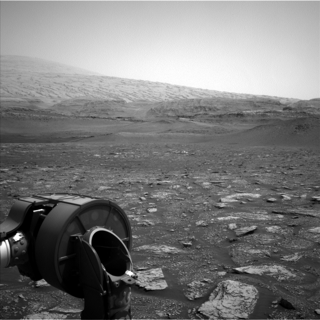Nasa's Mars rover Curiosity acquired this image using its Left Navigation Camera on Sol 2862, at drive 2176, site number 82