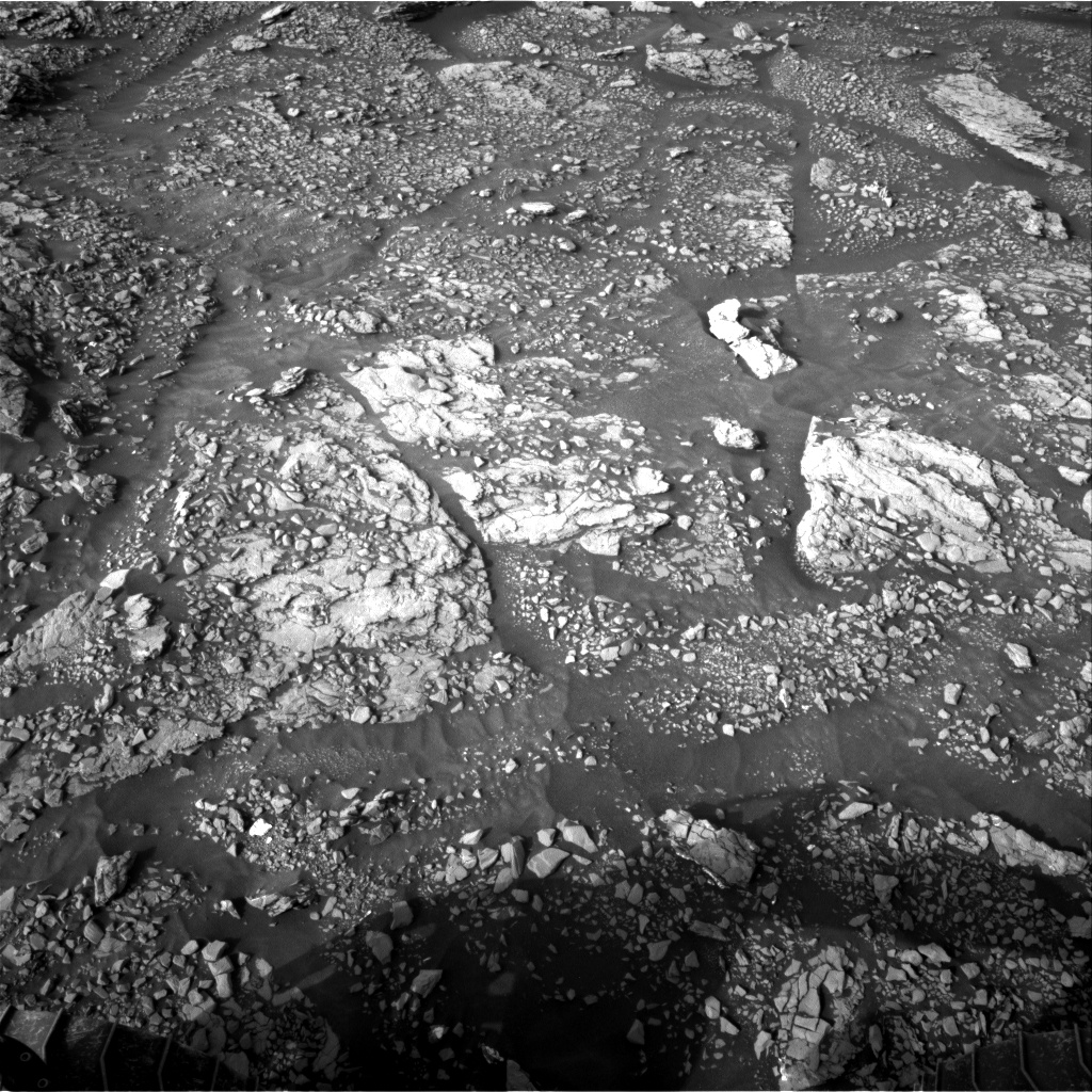 Nasa's Mars rover Curiosity acquired this image using its Right Navigation Camera on Sol 2882, at drive 2176, site number 82