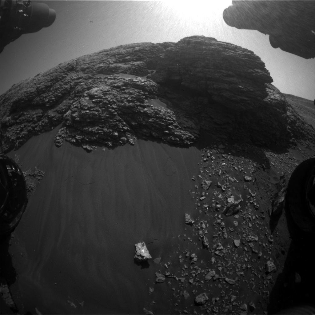 Nasa's Mars rover Curiosity acquired this image using its Front Hazard Avoidance Camera (Front Hazcam) on Sol 2924, at drive 0, site number 83