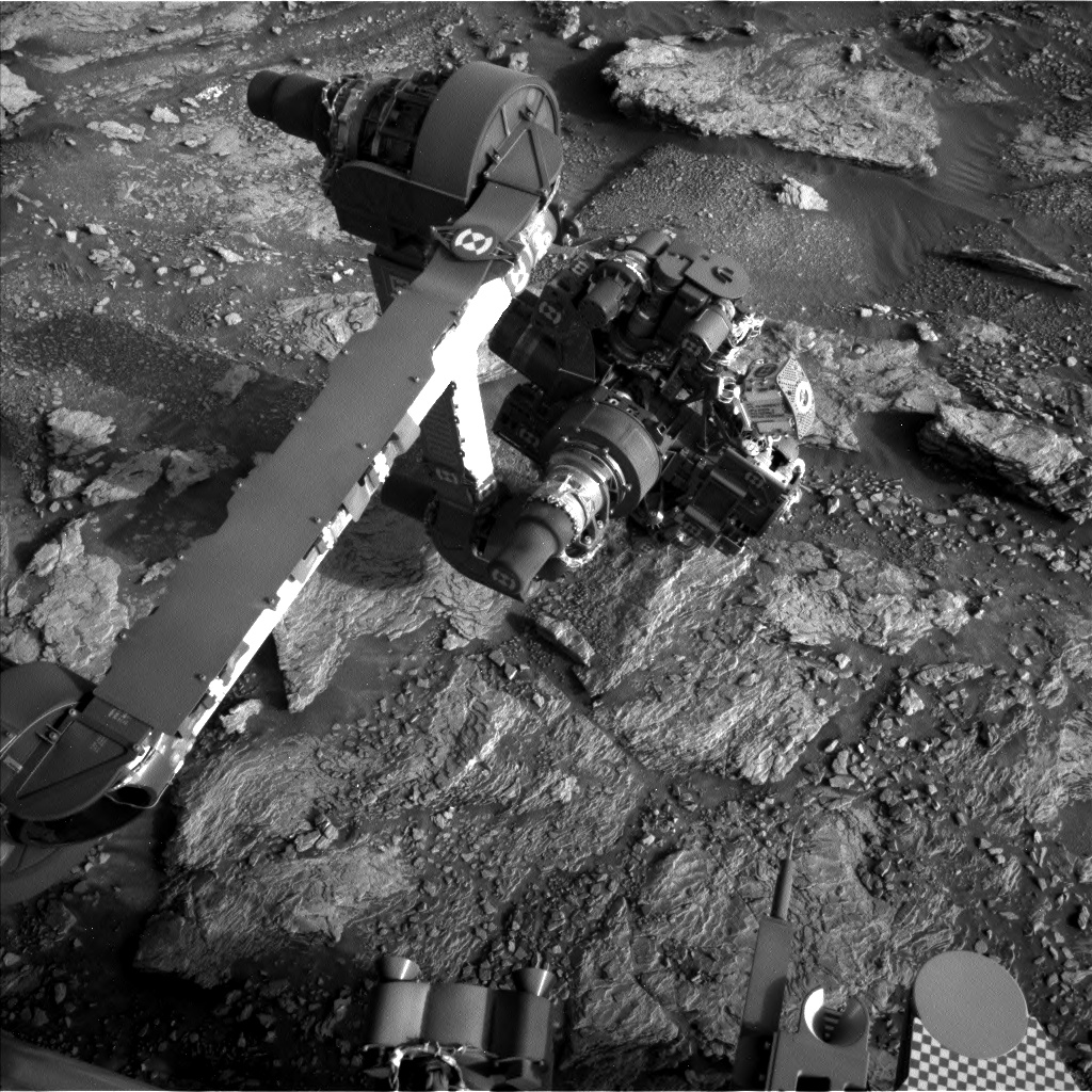 Nasa's Mars rover Curiosity acquired this image using its Left Navigation Camera on Sol 2935, at drive 932, site number 83
