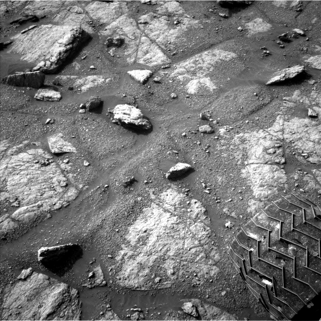 Nasa's Mars rover Curiosity acquired this image using its Left Navigation Camera on Sol 2947, at drive 2382, site number 83