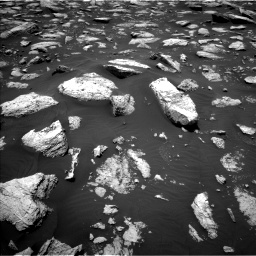 Nasa's Mars rover Curiosity acquired this image using its Left Navigation Camera on Sol 2977, at drive 1750, site number 84