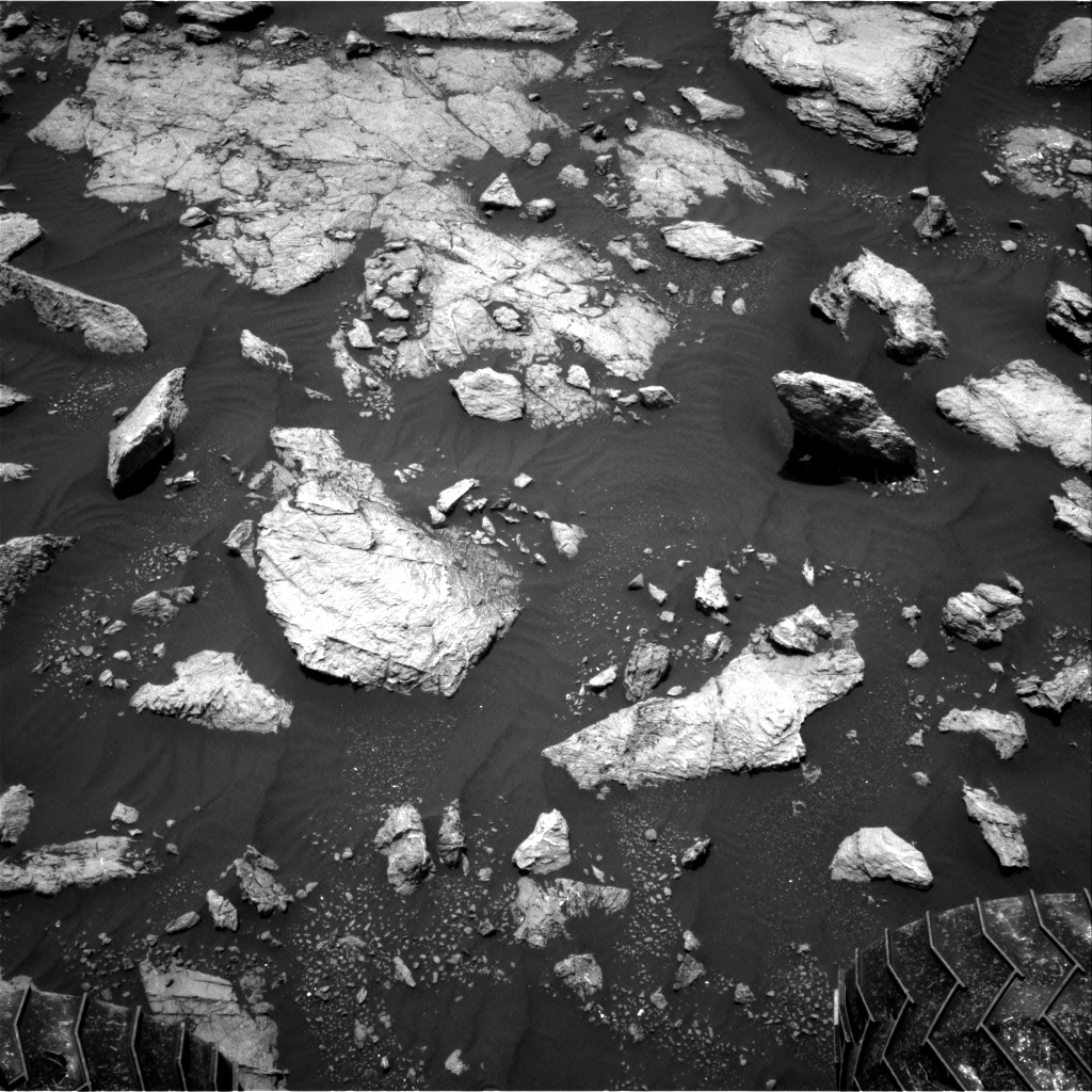 Nasa's Mars rover Curiosity acquired this image using its Right Navigation Camera on Sol 2977, at drive 1804, site number 84