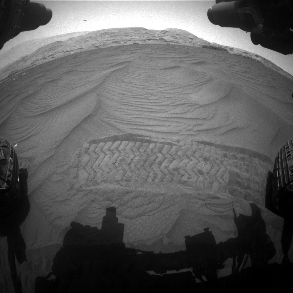 Nasa's Mars rover Curiosity acquired this image using its Front Hazard Avoidance Camera (Front Hazcam) on Sol 2991, at drive 2116, site number 84