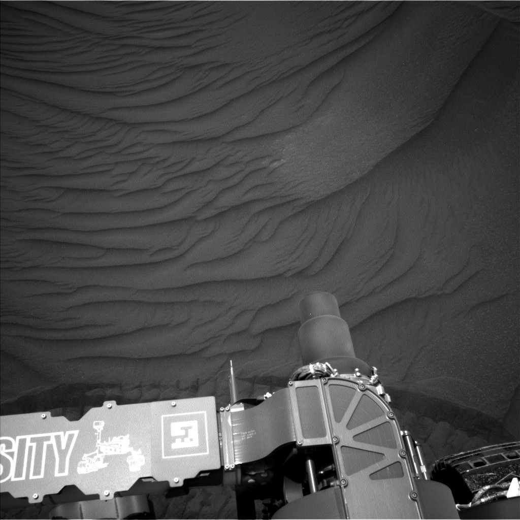 Nasa's Mars rover Curiosity acquired this image using its Left Navigation Camera on Sol 2991, at drive 2120, site number 84
