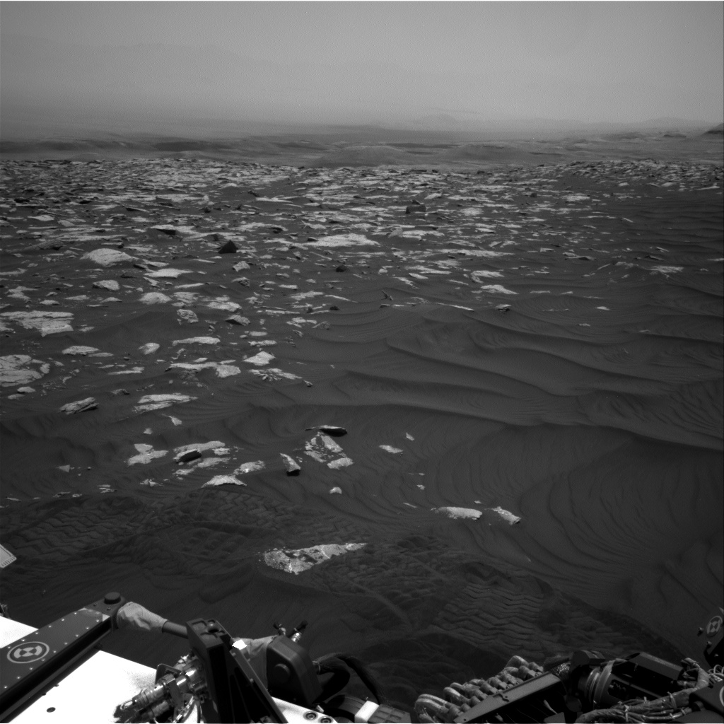 Nasa's Mars rover Curiosity acquired this image using its Right Navigation Camera on Sol 2991, at drive 2120, site number 84