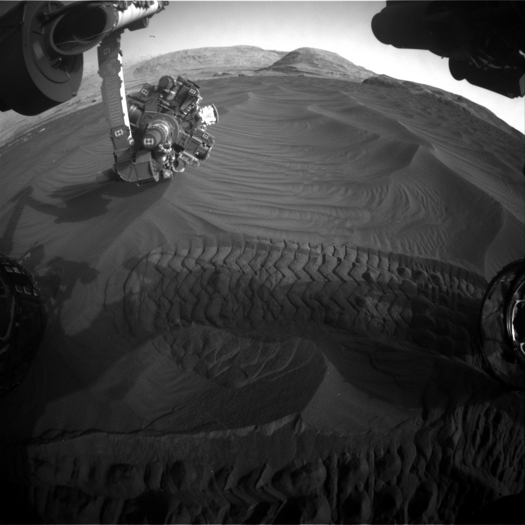Nasa's Mars rover Curiosity acquired this image using its Front Hazard Avoidance Camera (Front Hazcam) on Sol 2992, at drive 2120, site number 84