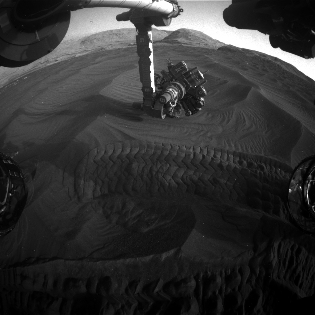 Nasa's Mars rover Curiosity acquired this image using its Front Hazard Avoidance Camera (Front Hazcam) on Sol 2994, at drive 2120, site number 84