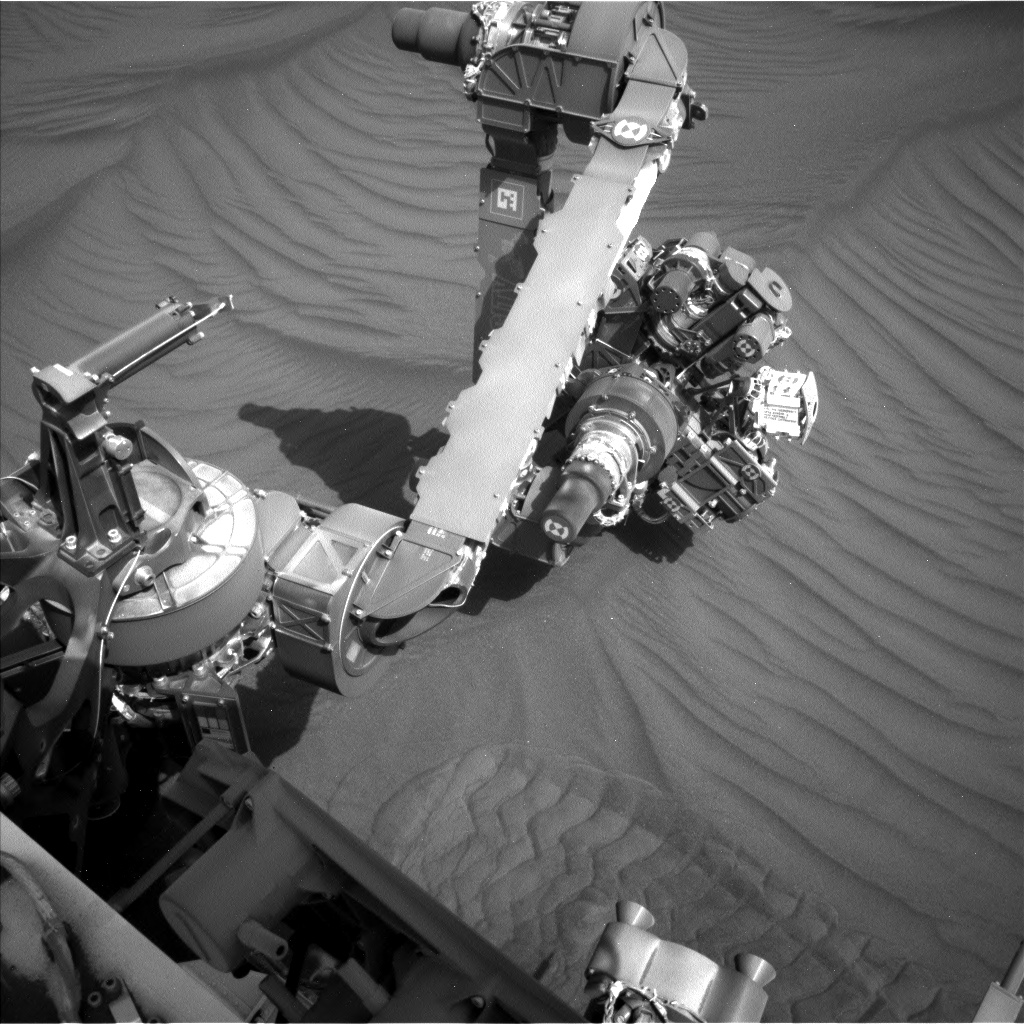 Nasa's Mars rover Curiosity acquired this image using its Left Navigation Camera on Sol 2994, at drive 2120, site number 84