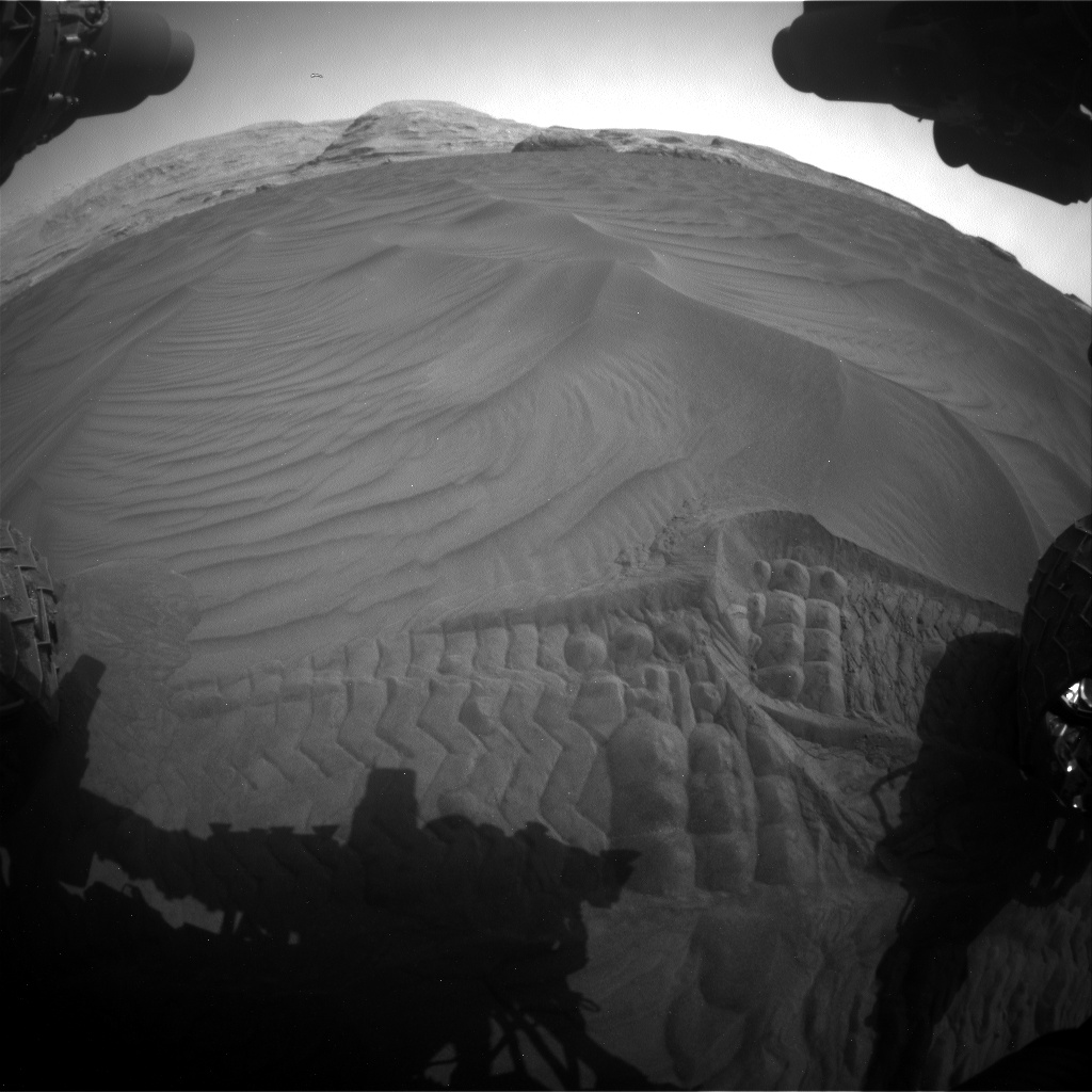 Nasa's Mars rover Curiosity acquired this image using its Front Hazard Avoidance Camera (Front Hazcam) on Sol 2995, at drive 2142, site number 84