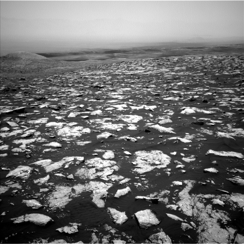Nasa's Mars rover Curiosity acquired this image using its Left Navigation Camera on Sol 2998, at drive 2352, site number 84