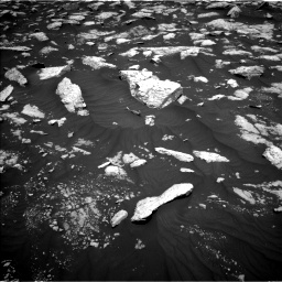 Nasa's Mars rover Curiosity acquired this image using its Left Navigation Camera on Sol 3000, at drive 2478, site number 84