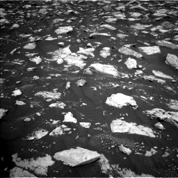 Nasa's Mars rover Curiosity acquired this image using its Left Navigation Camera on Sol 3000, at drive 2496, site number 84