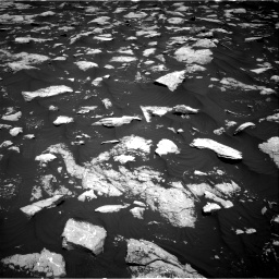 Nasa's Mars rover Curiosity acquired this image using its Right Navigation Camera on Sol 3000, at drive 2370, site number 84