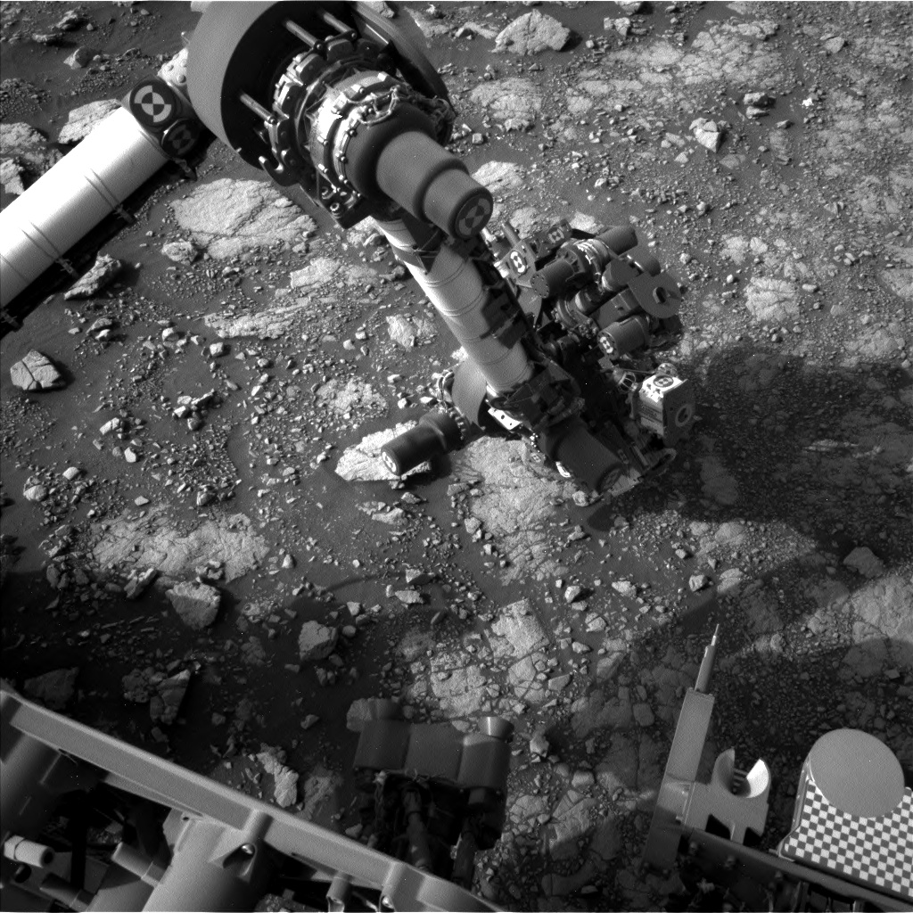 Nasa's Mars rover Curiosity acquired this image using its Left Navigation Camera on Sol 3004, at drive 0, site number 85