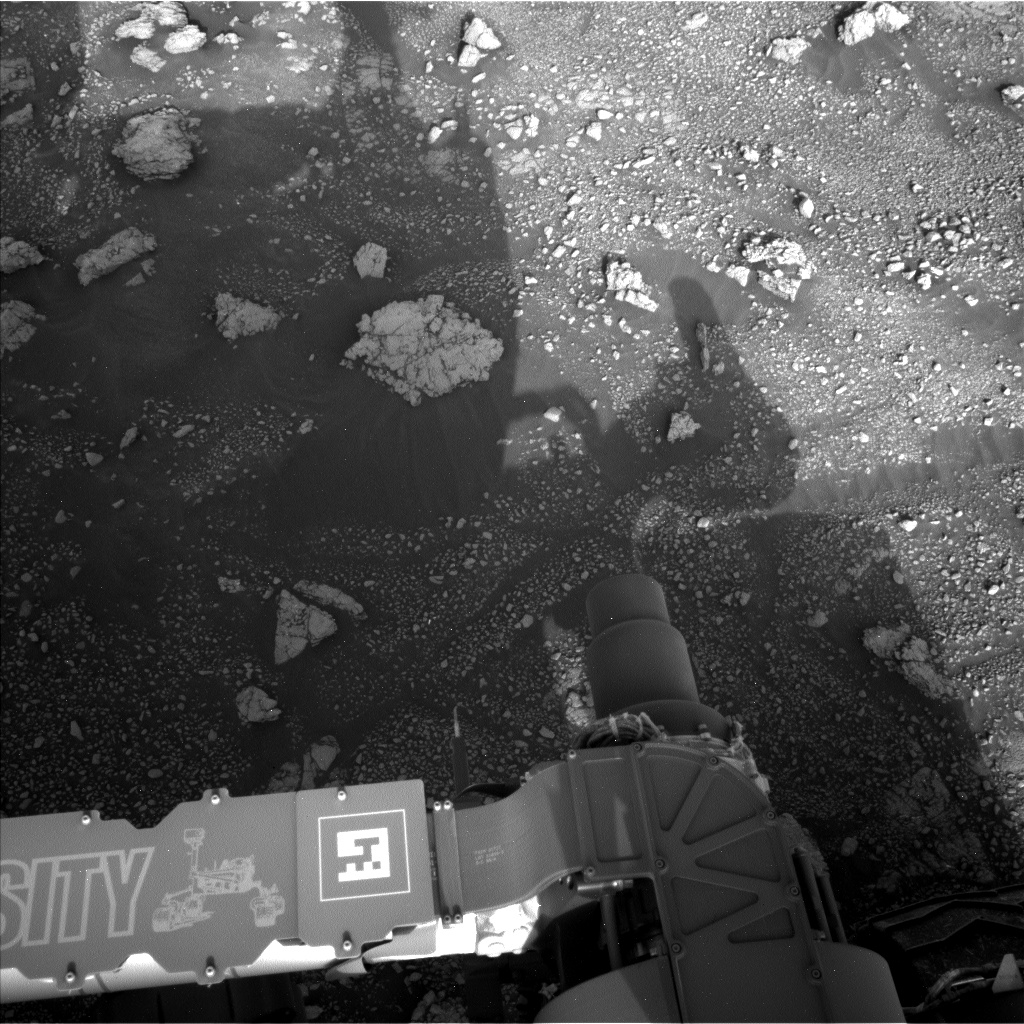 Nasa's Mars rover Curiosity acquired this image using its Left Navigation Camera on Sol 3005, at drive 538, site number 85