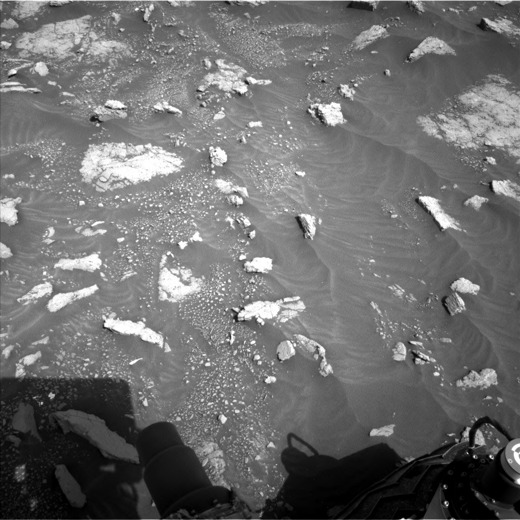 Nasa's Mars rover Curiosity acquired this image using its Left Navigation Camera on Sol 3011, at drive 1486, site number 85