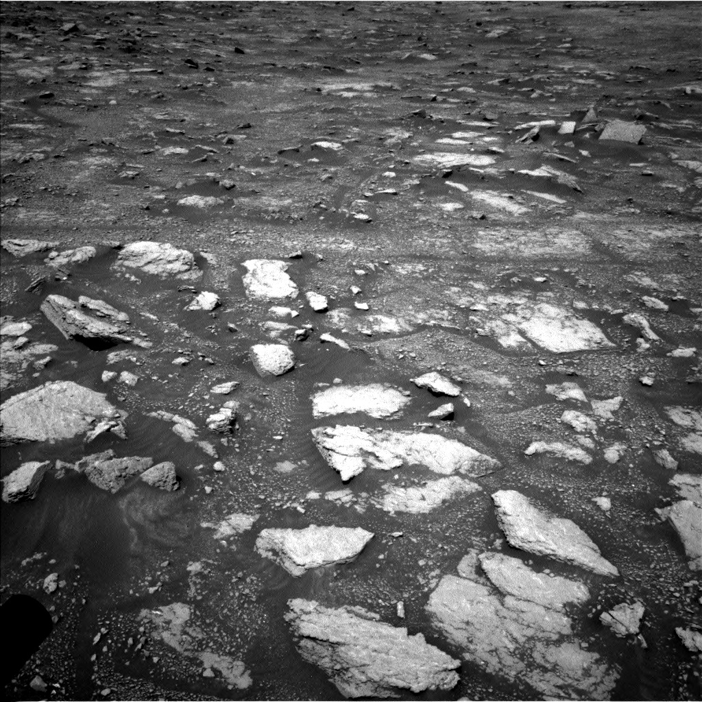 Nasa's Mars rover Curiosity acquired this image using its Left Navigation Camera on Sol 3018, at drive 2594, site number 85