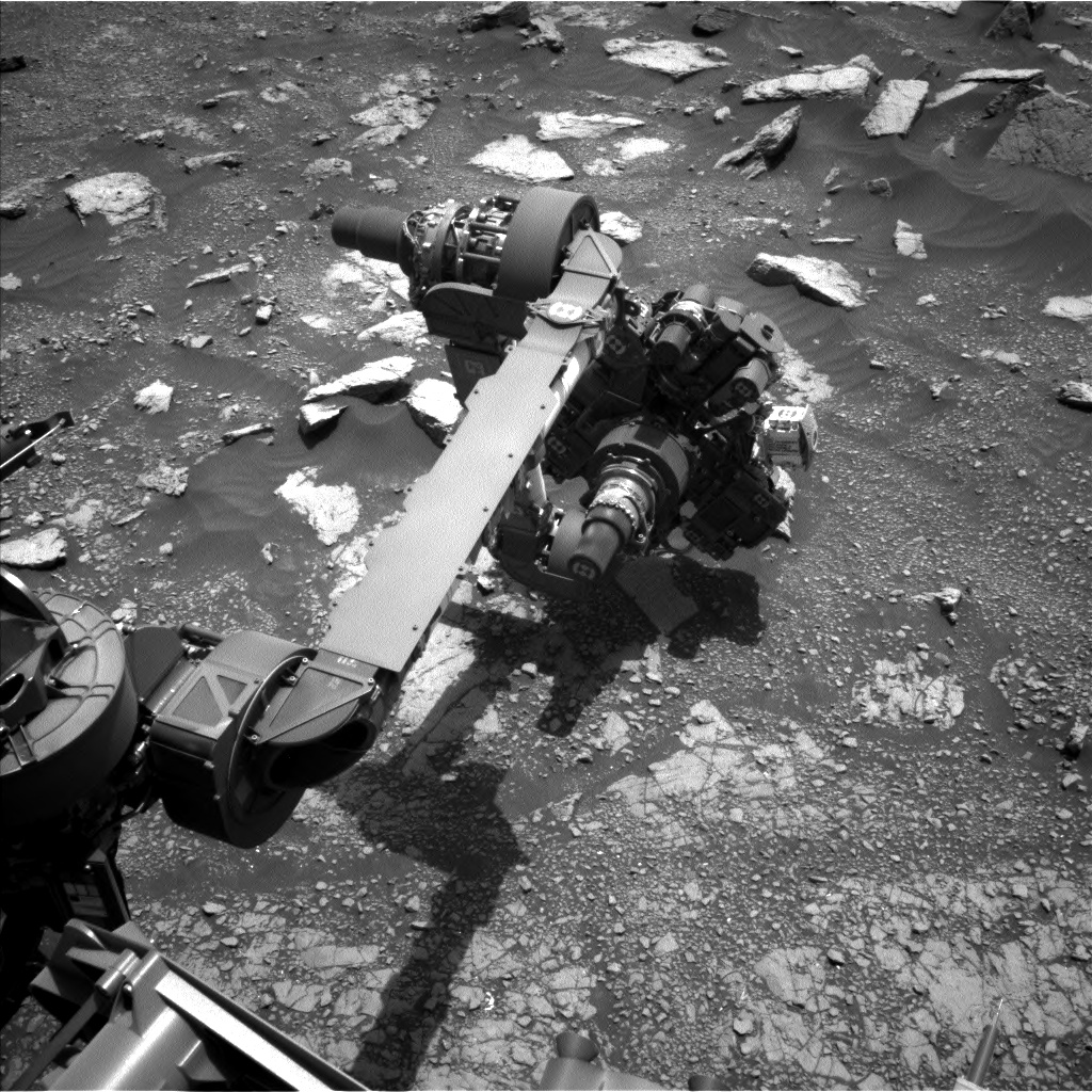 Nasa's Mars rover Curiosity acquired this image using its Left Navigation Camera on Sol 3020, at drive 2618, site number 85