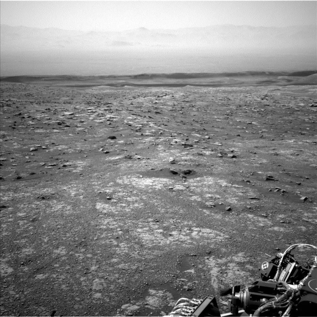 Nasa's Mars rover Curiosity acquired this image using its Left Navigation Camera on Sol 3020, at drive 0, site number 86