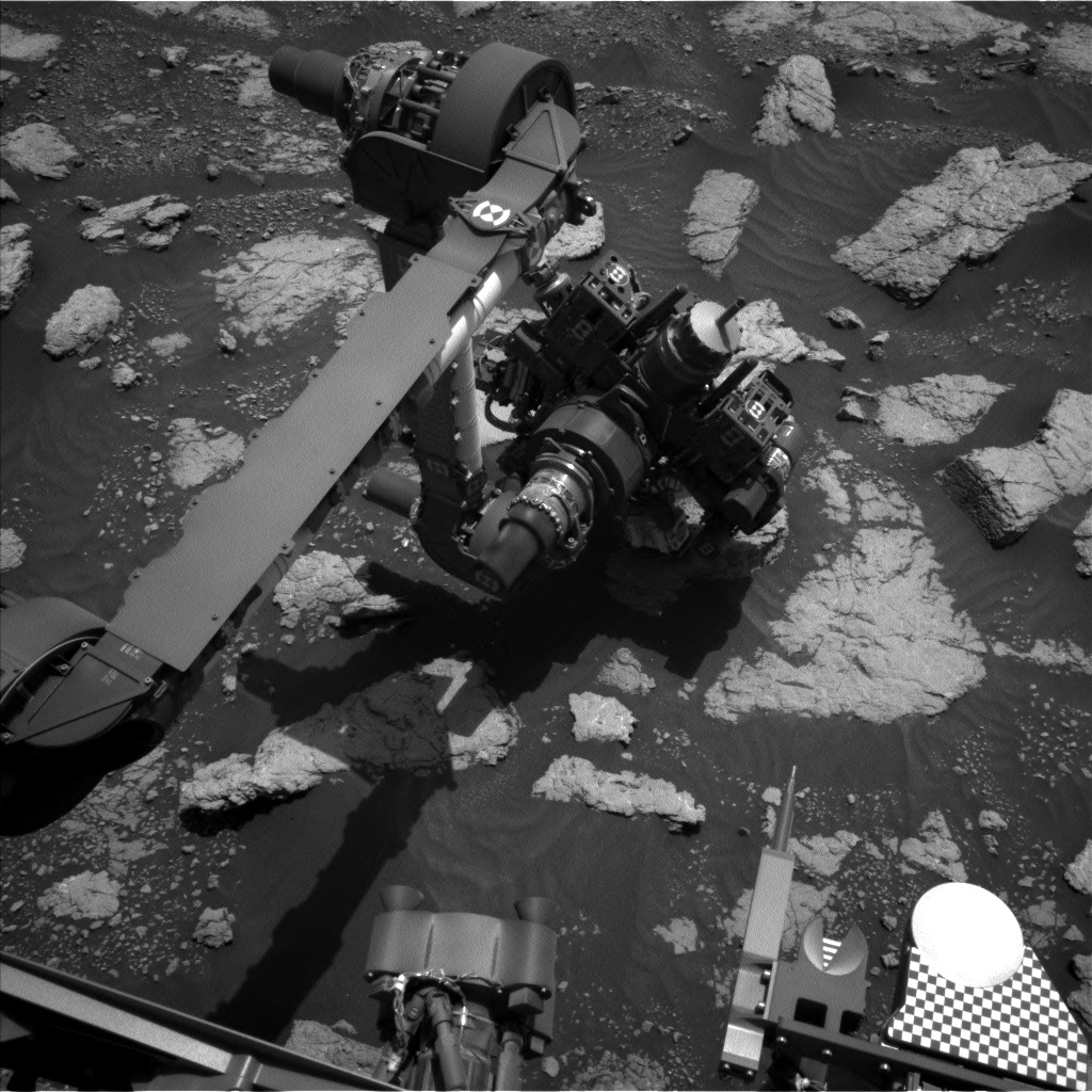 Nasa's Mars rover Curiosity acquired this image using its Left Navigation Camera on Sol 3032, at drive 1218, site number 86