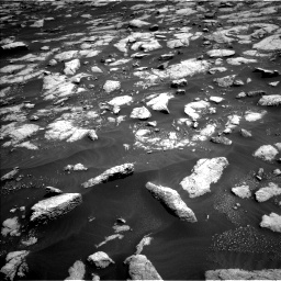 Nasa's Mars rover Curiosity acquired this image using its Left Navigation Camera on Sol 3032, at drive 1386, site number 86