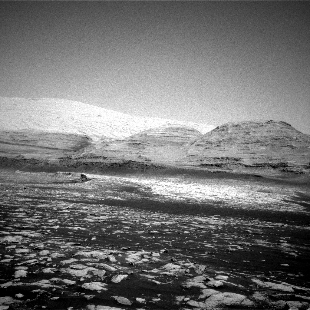 Nasa's Mars rover Curiosity acquired this image using its Left Navigation Camera on Sol 3032, at drive 1456, site number 86