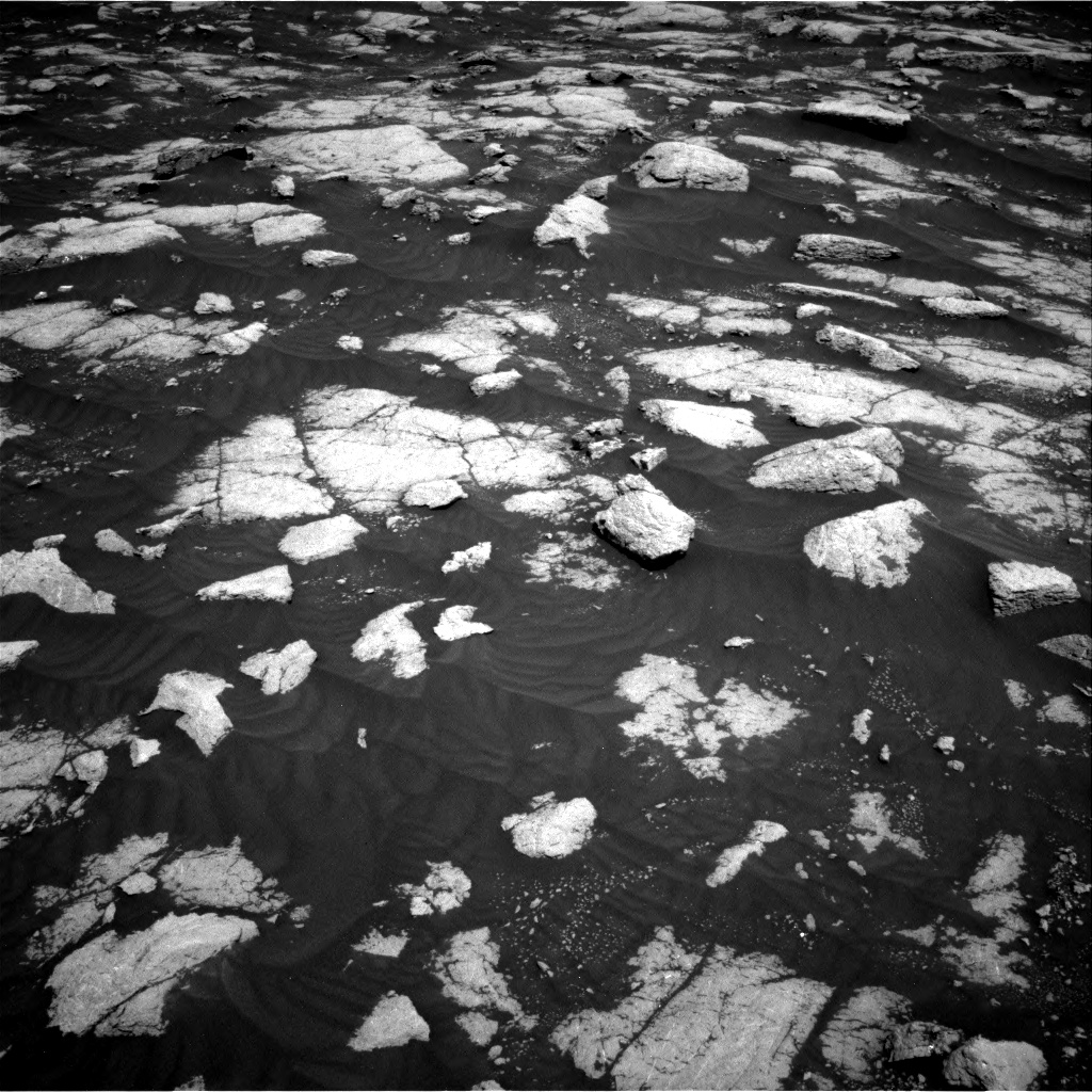 Nasa's Mars rover Curiosity acquired this image using its Right Navigation Camera on Sol 3032, at drive 1416, site number 86