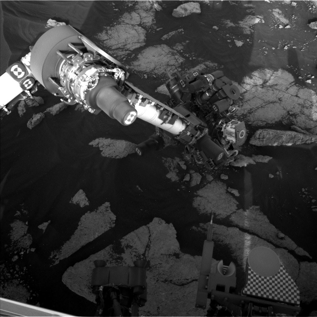 Nasa's Mars rover Curiosity acquired this image using its Left Navigation Camera on Sol 3035, at drive 1456, site number 86