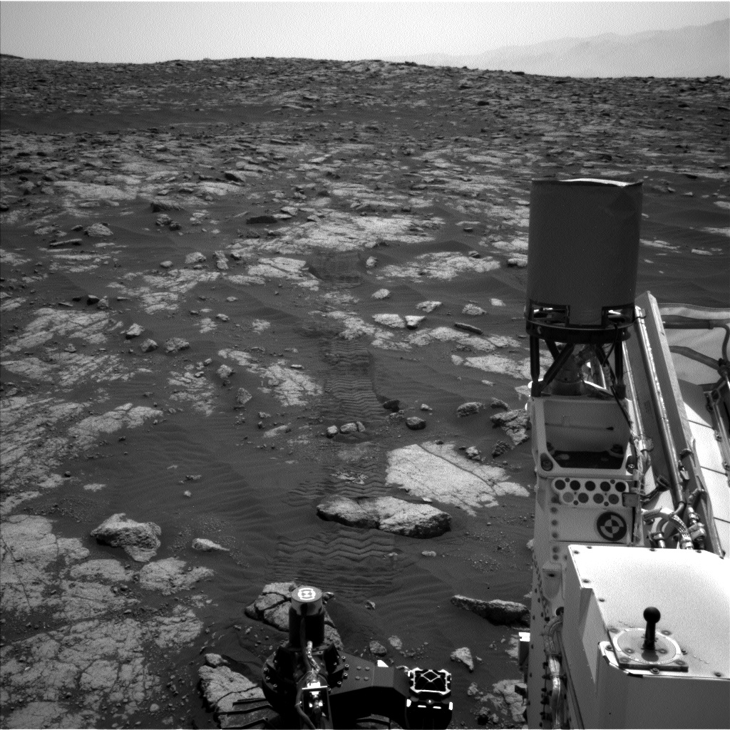 Nasa's Mars rover Curiosity acquired this image using its Left Navigation Camera on Sol 3036, at drive 1840, site number 86