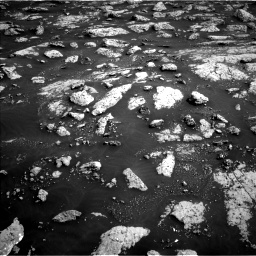 Nasa's Mars rover Curiosity acquired this image using its Left Navigation Camera on Sol 3040, at drive 2296, site number 86