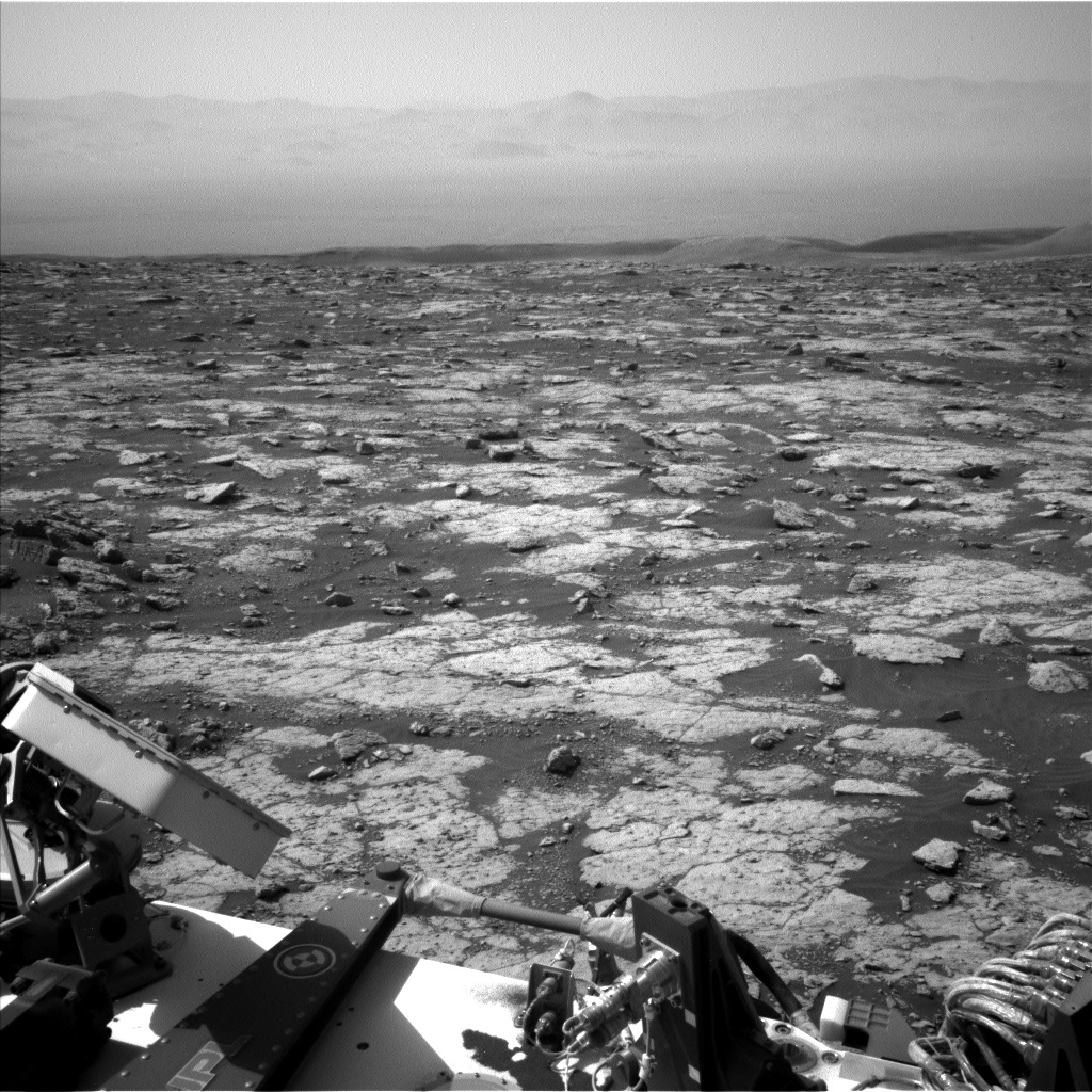 Nasa's Mars rover Curiosity acquired this image using its Left Navigation Camera on Sol 3040, at drive 2302, site number 86