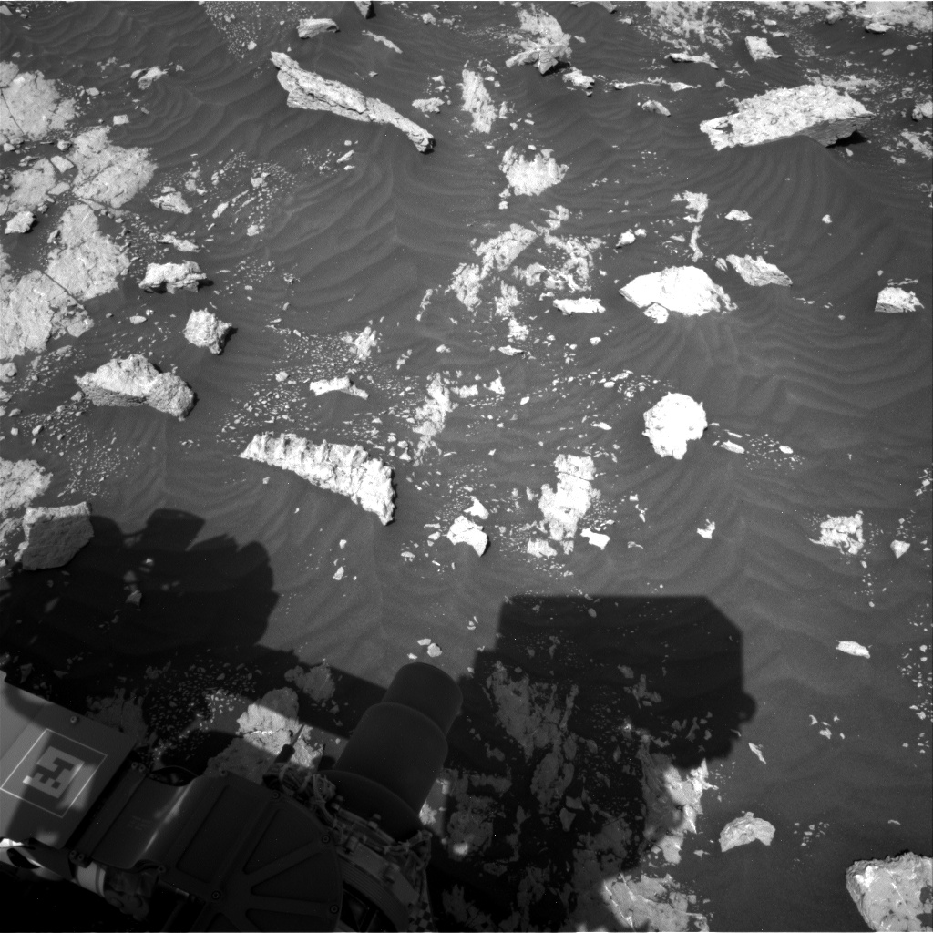 Nasa's Mars rover Curiosity acquired this image using its Right Navigation Camera on Sol 3040, at drive 2302, site number 86