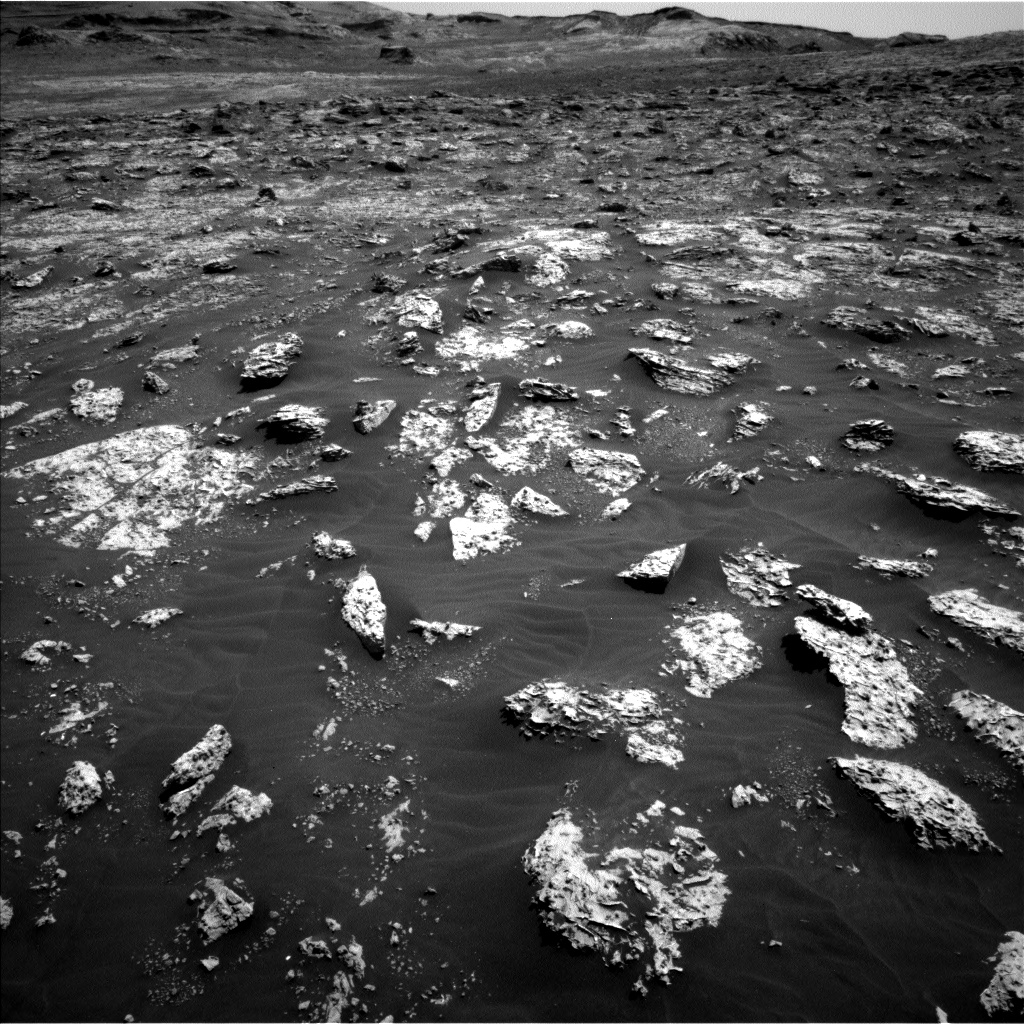 Nasa's Mars rover Curiosity acquired this image using its Left Navigation Camera on Sol 3045, at drive 2878, site number 86