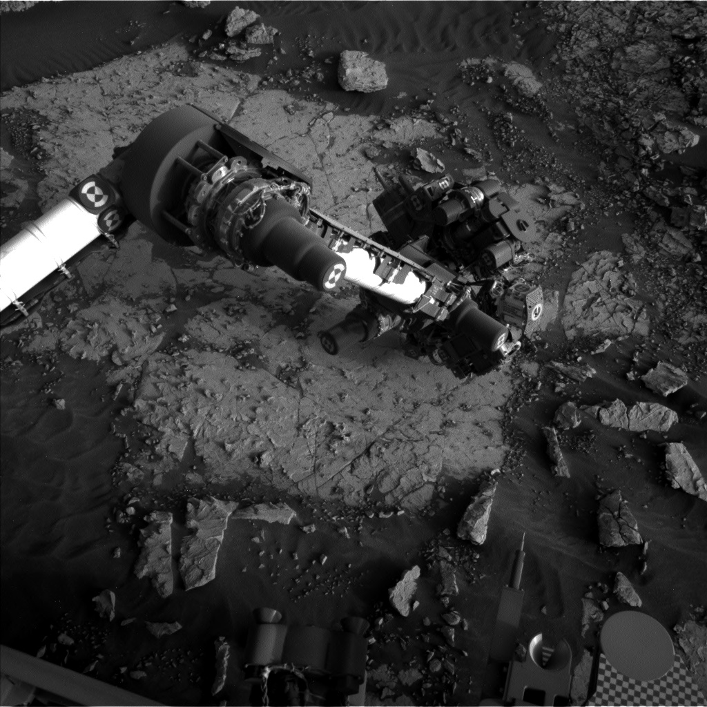 Nasa's Mars rover Curiosity acquired this image using its Left Navigation Camera on Sol 3051, at drive 696, site number 87