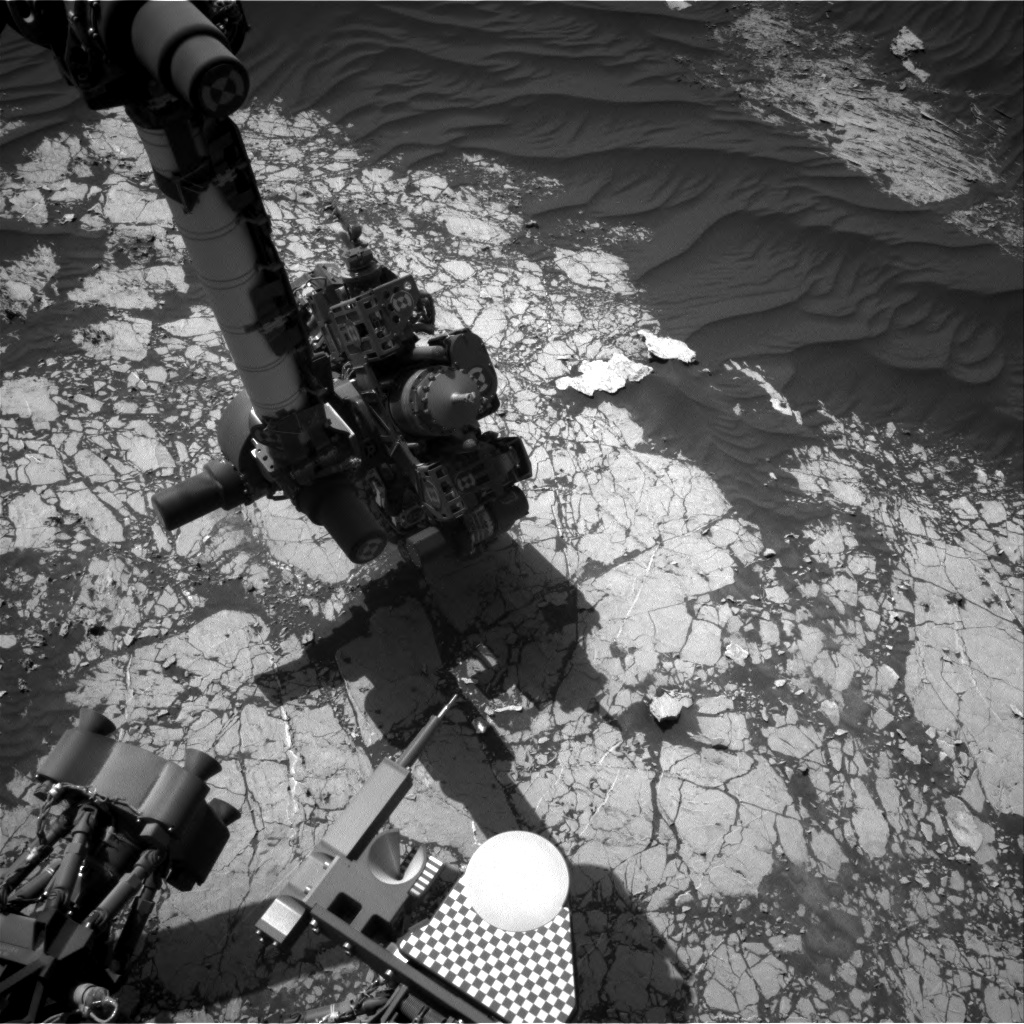 Nasa's Mars rover Curiosity acquired this image using its Right Navigation Camera on Sol 3070, at drive 792, site number 87