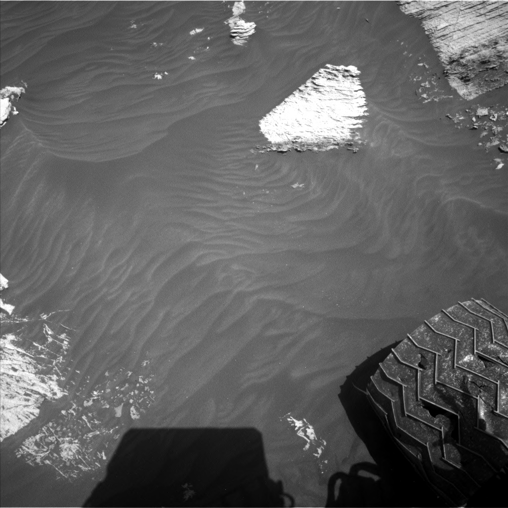 Nasa's Mars rover Curiosity acquired this image using its Left Navigation Camera on Sol 3072, at drive 834, site number 87