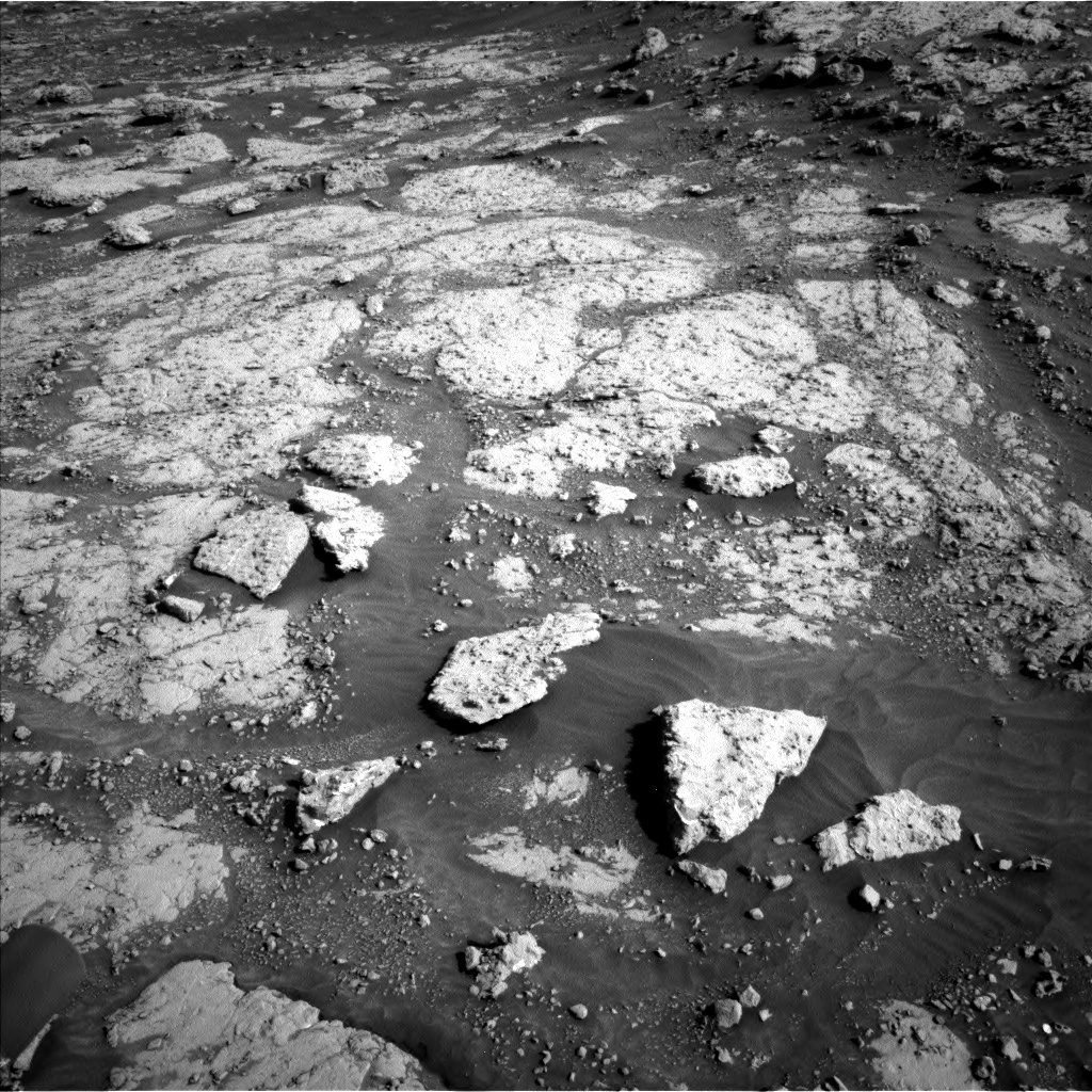 Nasa's Mars rover Curiosity acquired this image using its Left Navigation Camera on Sol 3074, at drive 1032, site number 87