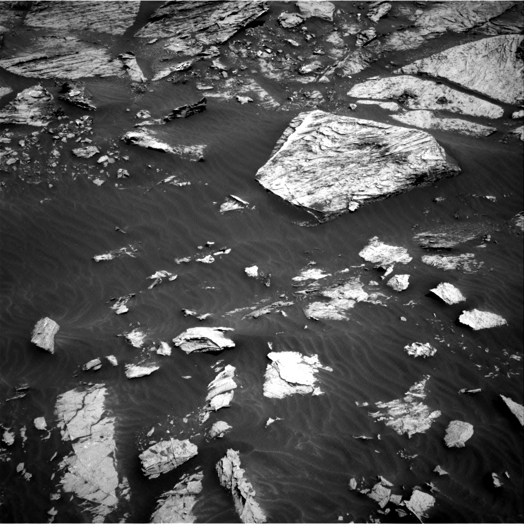 Nasa's Mars rover Curiosity acquired this image using its Right Navigation Camera on Sol 3081, at drive 1916, site number 87