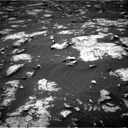 Nasa's Mars rover Curiosity acquired this image using its Right Navigation Camera on Sol 3083, at drive 2000, site number 87