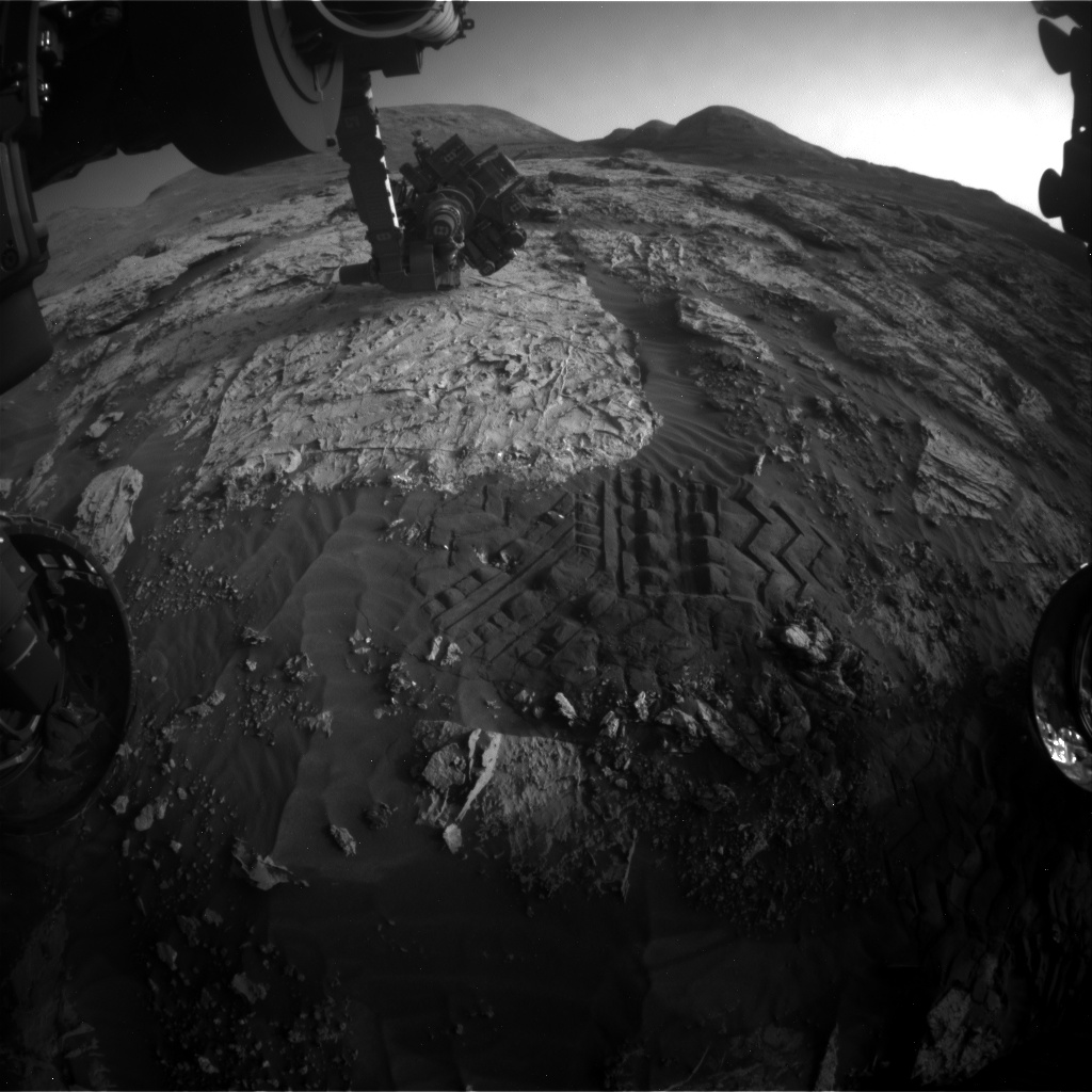 Nasa's Mars rover Curiosity acquired this image using its Front Hazard Avoidance Camera (Front Hazcam) on Sol 3085, at drive 2214, site number 87