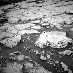 Nasa's Mars rover Curiosity acquired this image using its Left Navigation Camera on Sol 3086, at drive 2262, site number 87