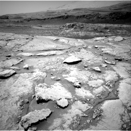 Nasa's Mars rover Curiosity acquired this image using its Right Navigation Camera on Sol 3086, at drive 2466, site number 87