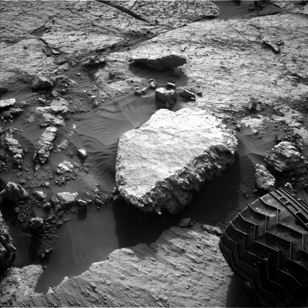 Nasa's Mars rover Curiosity acquired this image using its Left Navigation Camera on Sol 3117, at drive 156, site number 88