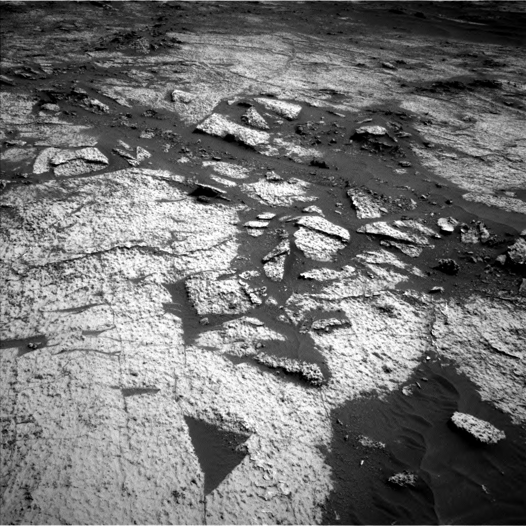 Nasa's Mars rover Curiosity acquired this image using its Left Navigation Camera on Sol 3140, at drive 1698, site number 88
