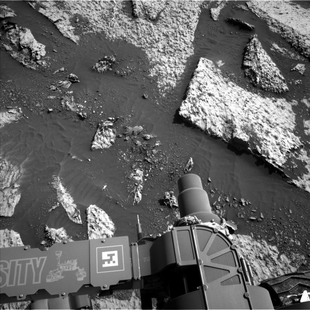 Nasa's Mars rover Curiosity acquired this image using its Left Navigation Camera on Sol 3140, at drive 1734, site number 88